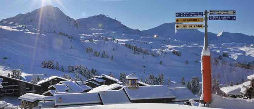 france_paradiski-ski-area_la-plagne_sign_post.jpg